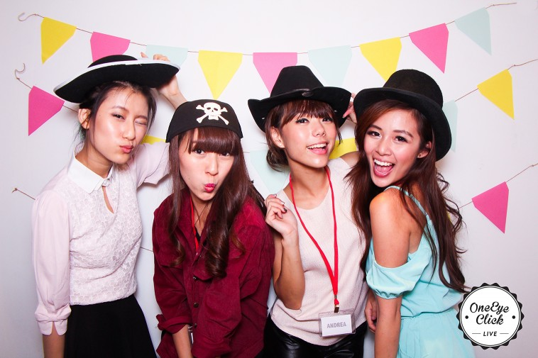Photo Booth Singapore - One Eye Click Live