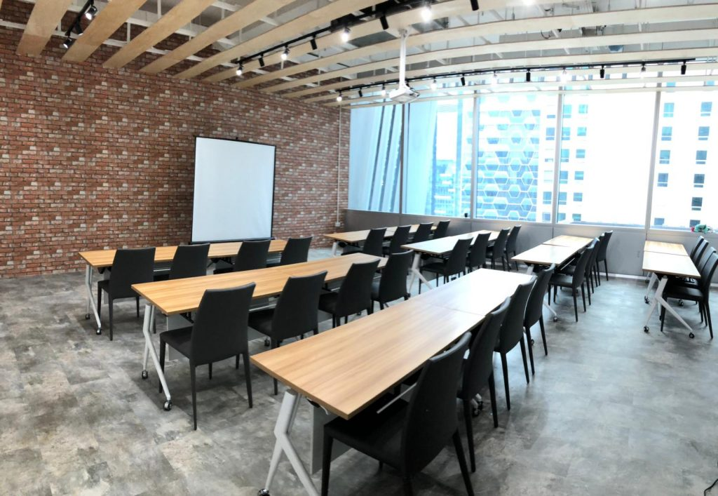 Invesso Spaces training classroom for rent Singapore